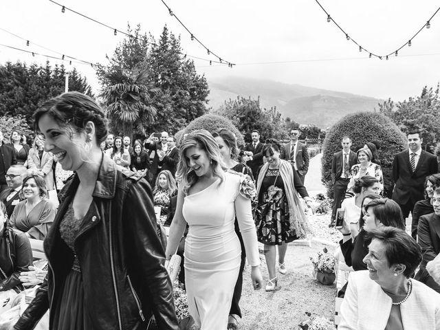 La boda de Julio y Raquel en Villasevil, Cantabria 29