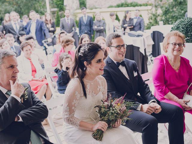 La boda de Julio y Raquel en Villasevil, Cantabria 35