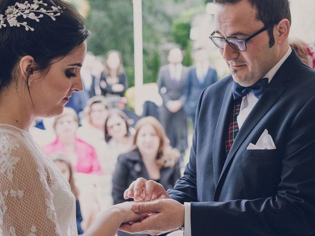 La boda de Julio y Raquel en Villasevil, Cantabria 41