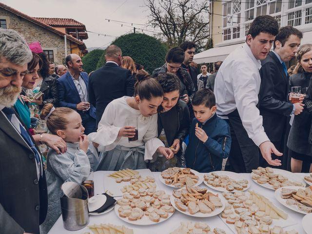 La boda de Julio y Raquel en Villasevil, Cantabria 55