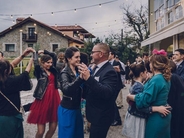 La boda de Julio y Raquel en Villasevil, Cantabria 123