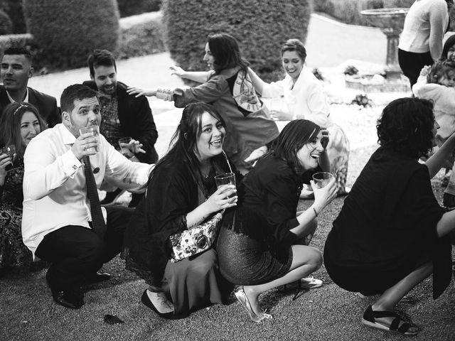 La boda de Julio y Raquel en Villasevil, Cantabria 142