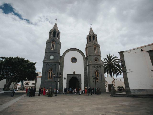 La boda de Pedro y Idoia en Arucas, Las Palmas 28