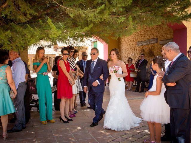 La boda de Isidoro y Sandra en Las Pedroñeras, Cuenca 7