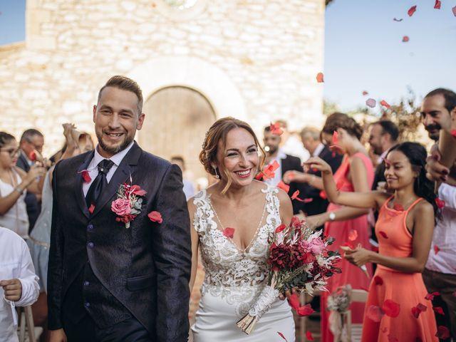 La boda de Edu y Raquel en La Riera De Gaia, Tarragona 22