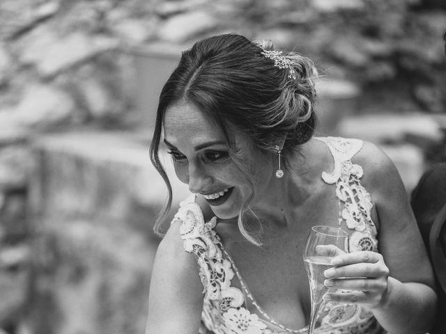 La boda de Edu y Raquel en La Riera De Gaia, Tarragona 25