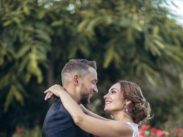 La boda de Edu y Raquel en La Riera De Gaia, Tarragona 30