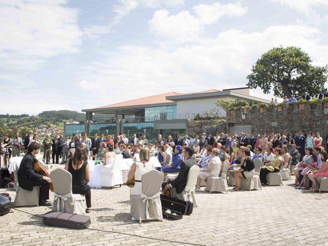 La boda de Miguel y Sara en Soto Del Barco, Asturias 7