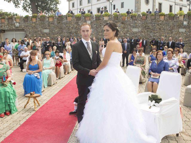 La boda de Miguel y Sara en Soto Del Barco, Asturias 9