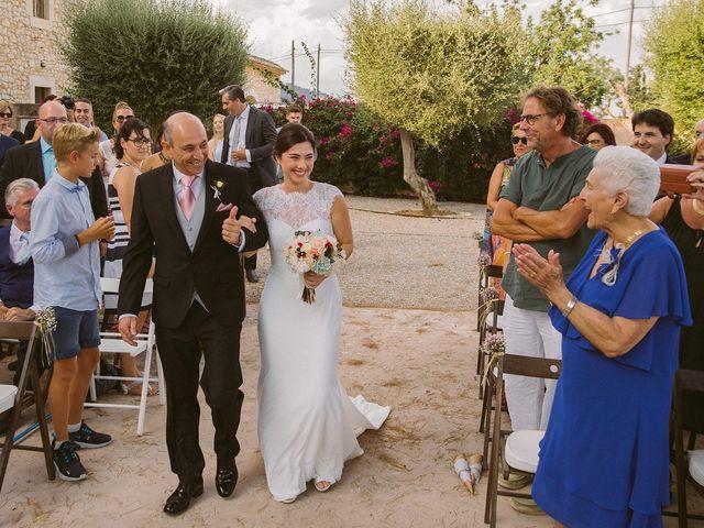 La boda de David y Lydia en Binissalem, Islas Baleares 42