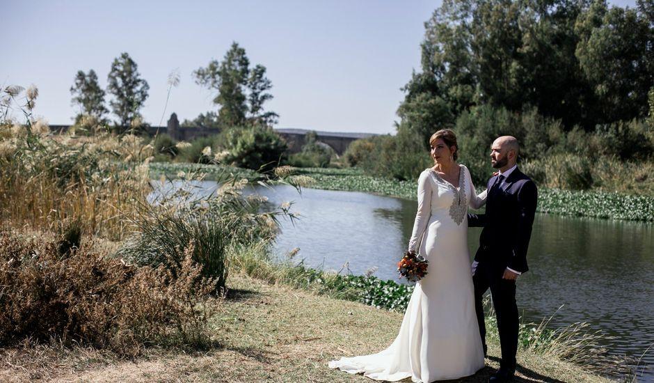 La boda de David y Mari en Medellin, Badajoz
