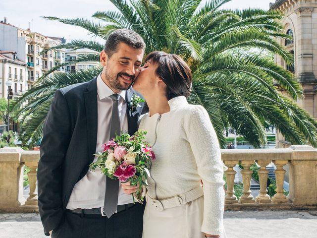 La boda de Santi y Olatz en Donostia-San Sebastián, Guipúzcoa 10