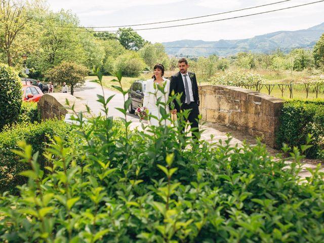 La boda de Santi y Olatz en Donostia-San Sebastián, Guipúzcoa 11