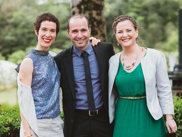 La boda de Santi y Olatz en Donostia-San Sebastián, Guipúzcoa 17