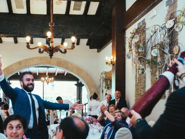 La boda de Santi y Olatz en Donostia-San Sebastián, Guipúzcoa 20