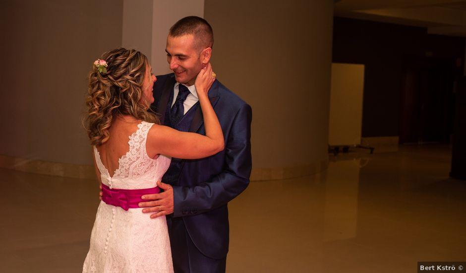 La boda de Carlos y Juani en Miramar, Valencia