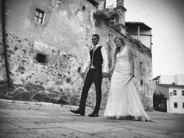La boda de Jimmy y Elena en Valdastillas, Cáceres 51