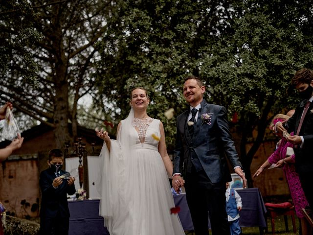 La boda de Miguel y Laura en La Cabrera, Burgos 46