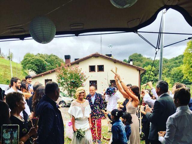La boda de Gon y Nere en Hernani, Guipúzcoa 24