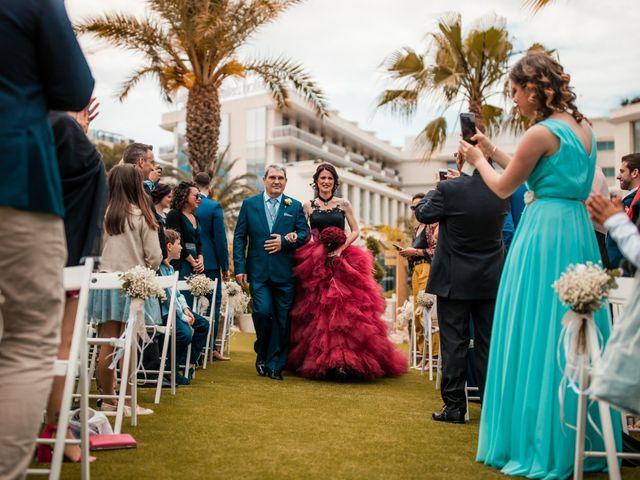 La boda de Xavi y Beatriz en Tarragona, Tarragona 45