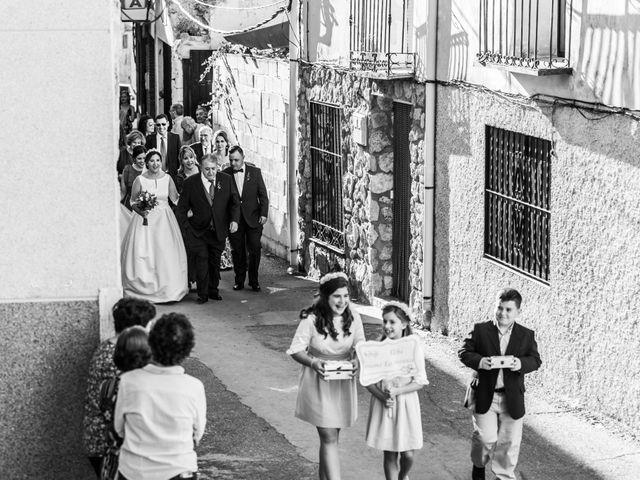 La boda de Isaac y Beatriz en Saelices, Cuenca 22