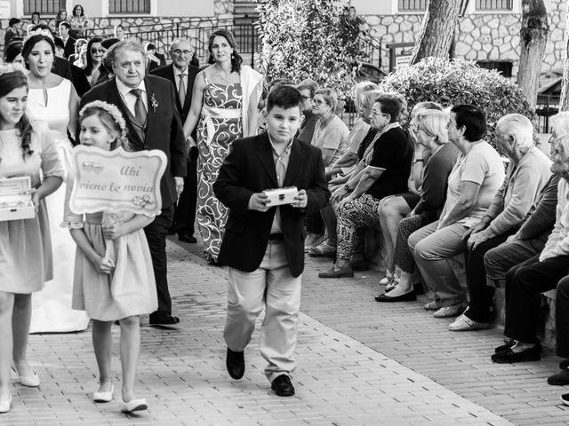 La boda de Isaac y Beatriz en Saelices, Cuenca 23