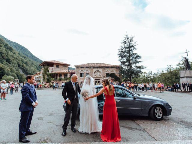 La boda de Rubén y Belén en Cangas De Onis, Asturias 37