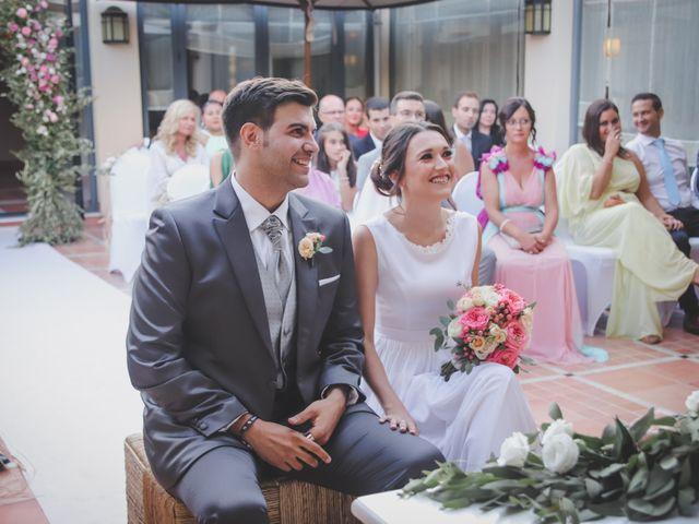 La boda de Álvaro y Lara en Castellar De La Frontera, Cádiz 25