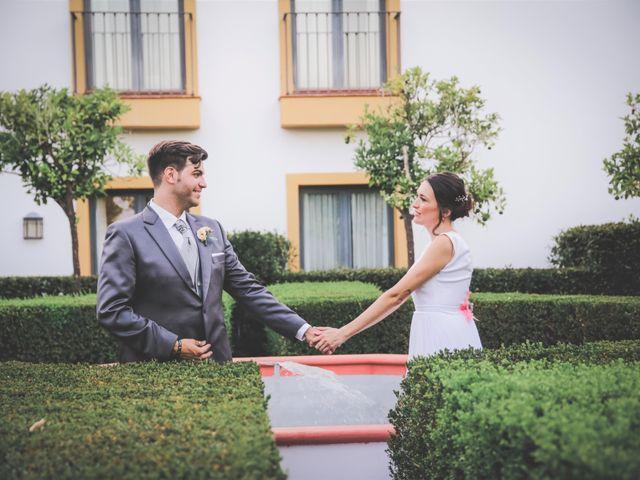 La boda de Álvaro y Lara en Castellar De La Frontera, Cádiz 28