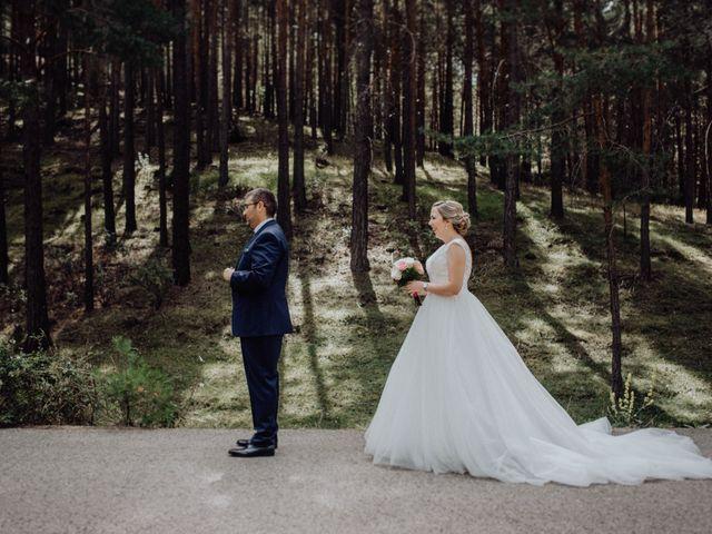 La boda de Raúl y Cristina en San Leonardo De Yague, Soria 24