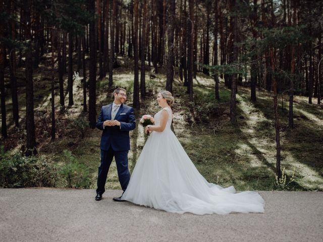 La boda de Raúl y Cristina en San Leonardo De Yague, Soria 27
