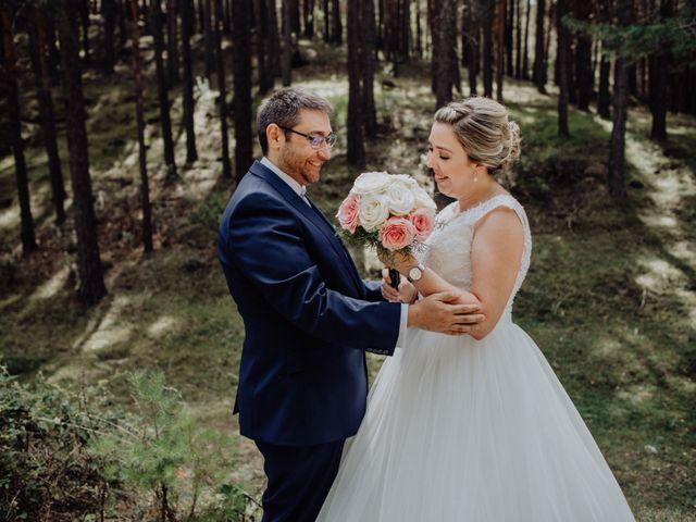 La boda de Raúl y Cristina en San Leonardo De Yague, Soria 31