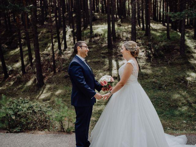 La boda de Raúl y Cristina en San Leonardo De Yague, Soria 33