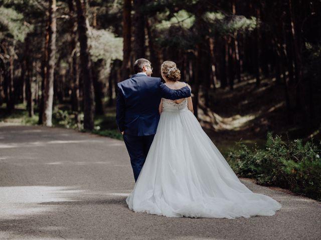 La boda de Raúl y Cristina en San Leonardo De Yague, Soria 39