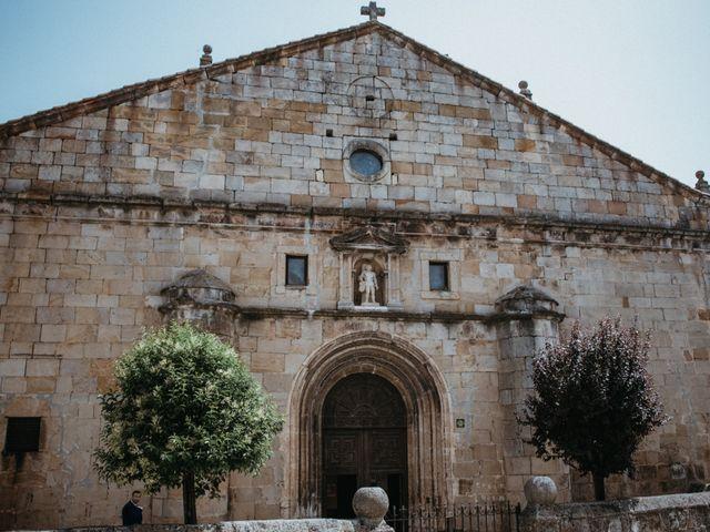 La boda de Raúl y Cristina en San Leonardo De Yague, Soria 40