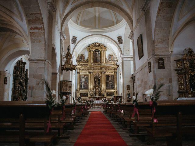 La boda de Raúl y Cristina en San Leonardo De Yague, Soria 43