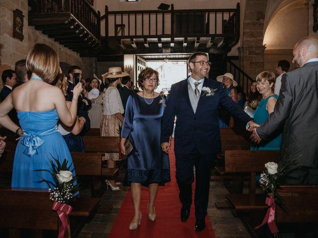 La boda de Raúl y Cristina en San Leonardo De Yague, Soria 47