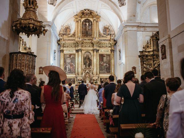 La boda de Raúl y Cristina en San Leonardo De Yague, Soria 48