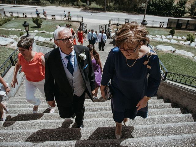 La boda de Raúl y Cristina en San Leonardo De Yague, Soria 53
