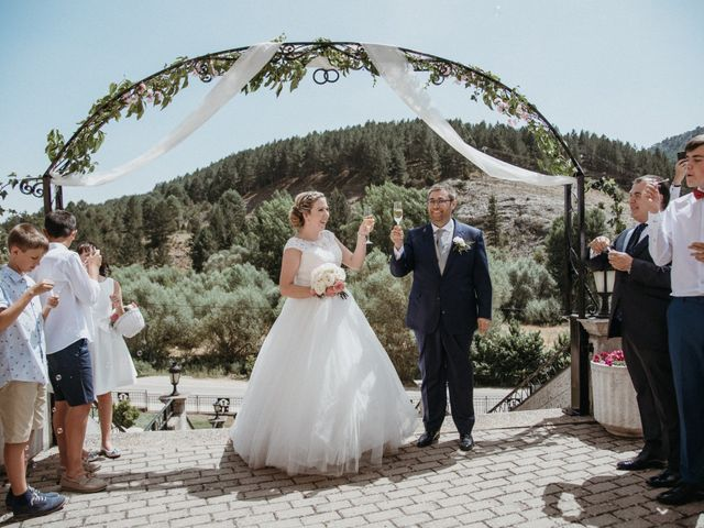 La boda de Raúl y Cristina en San Leonardo De Yague, Soria 56
