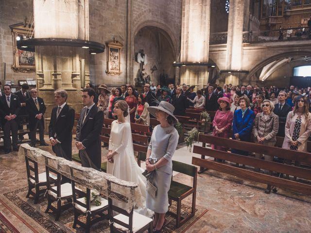 La boda de Gonzalo y Patricia en Hondarribia, Guipúzcoa 13