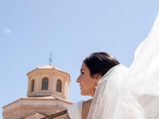 La boda de Santi y Esther en San Bernardo, Valladolid 3