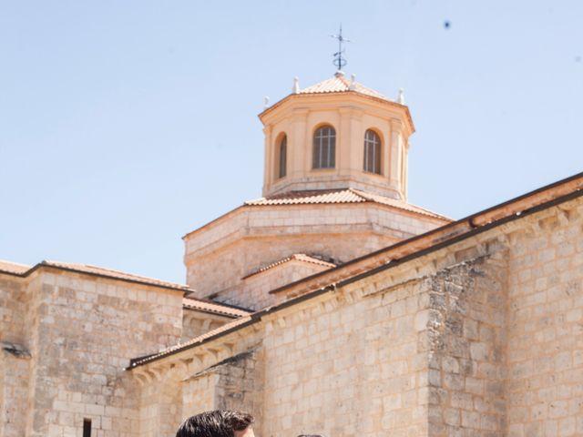 La boda de Santi y Esther en San Bernardo, Valladolid 4