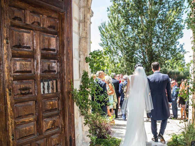La boda de Santi y Esther en San Bernardo, Valladolid 37