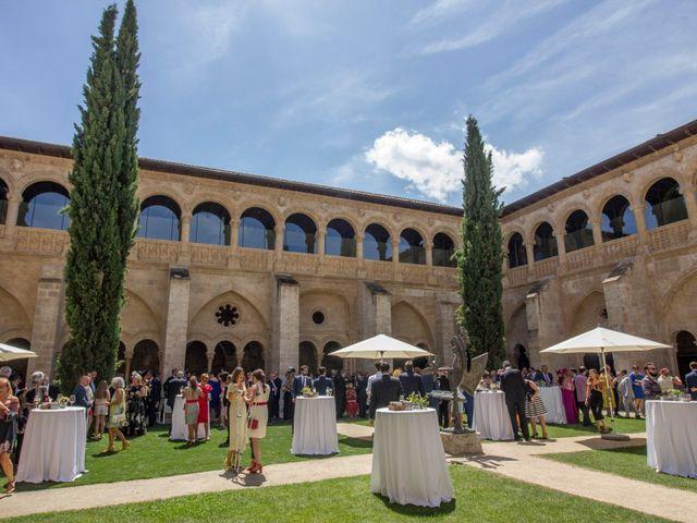 La boda de Santi y Esther en San Bernardo, Valladolid 42