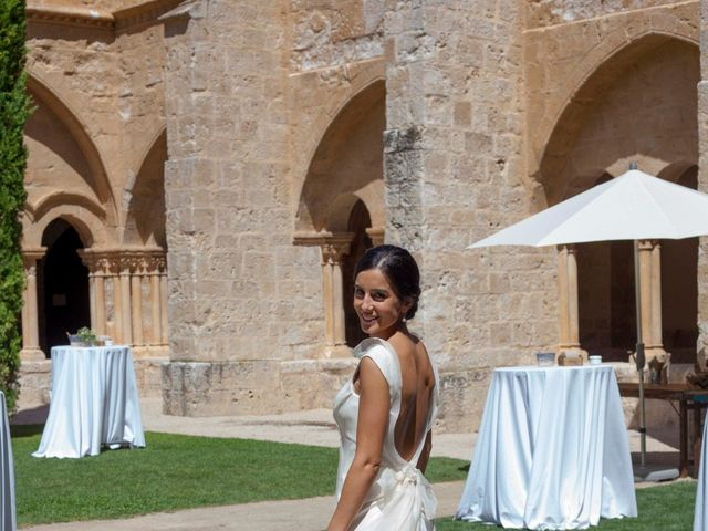 La boda de Santi y Esther en San Bernardo, Valladolid 44