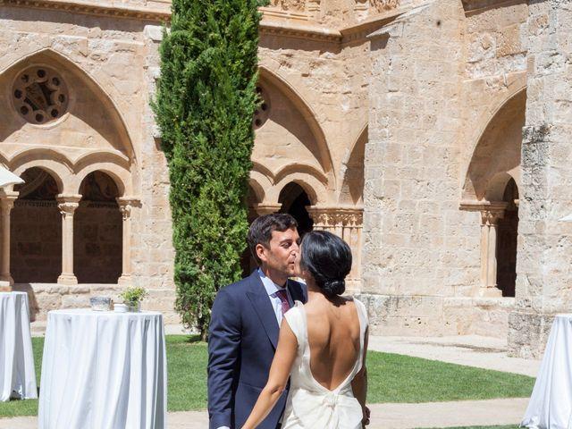 La boda de Santi y Esther en San Bernardo, Valladolid 46