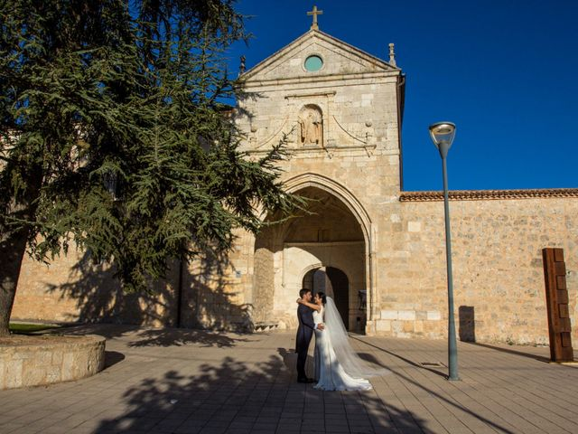 La boda de Santi y Esther en San Bernardo, Valladolid 77