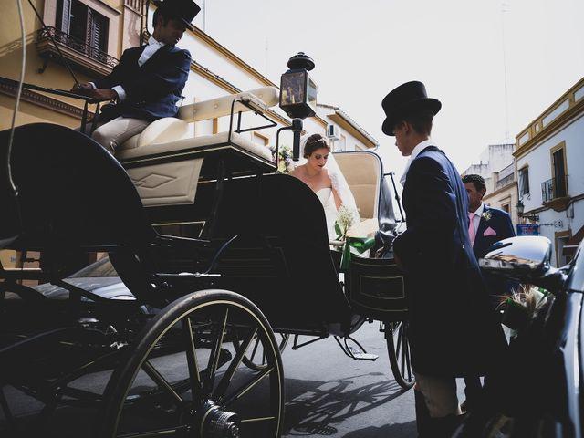 La boda de Macarena y José Antonio en Dos Hermanas, Sevilla 16