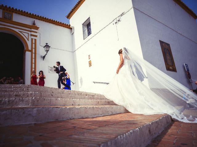 La boda de Macarena y José Antonio en Dos Hermanas, Sevilla 18